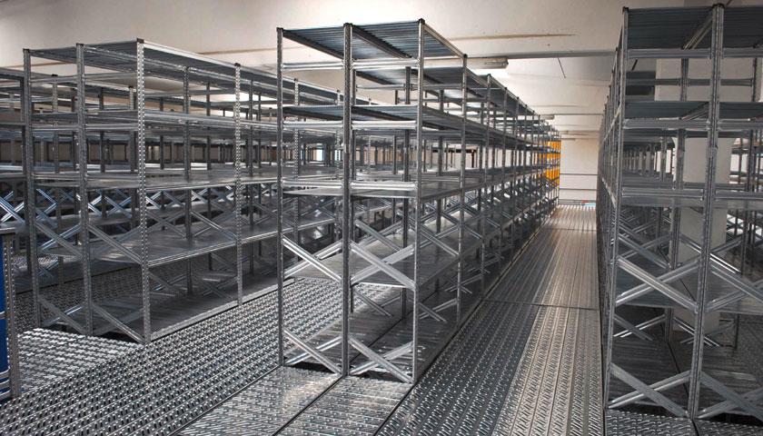 scaffalature metalliche prodotti elettronici