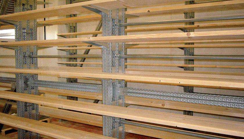 scaffalature industriali multipiano in legno