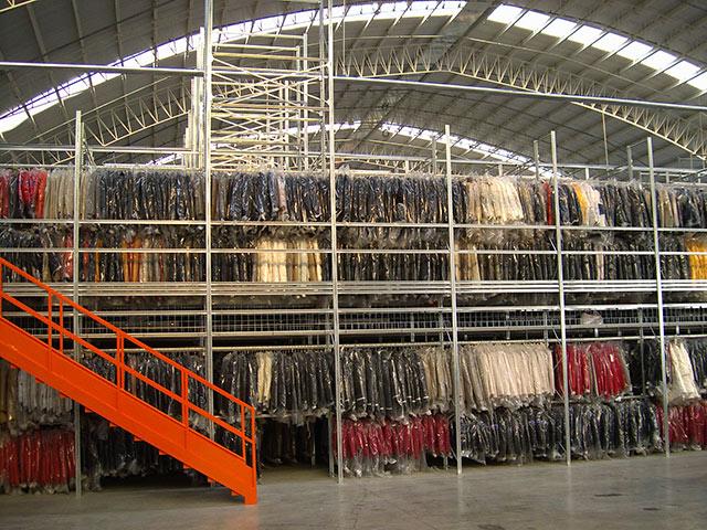 scaffalature per magazzini in abruzzo per l'abbigliamento