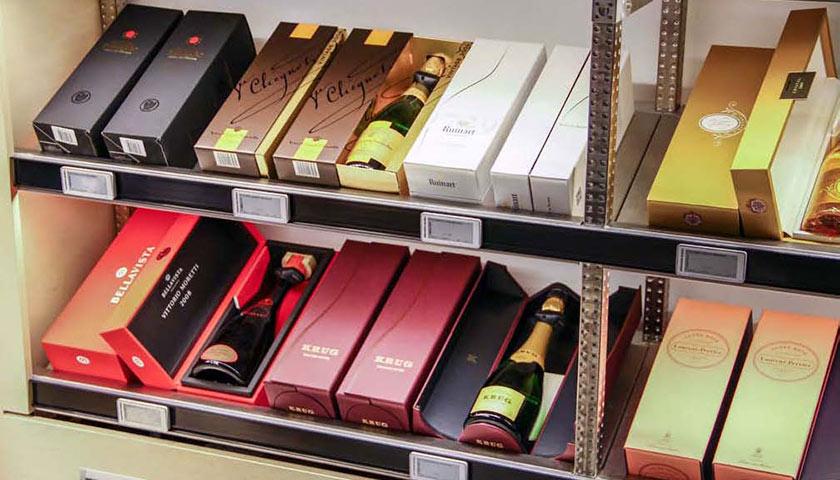 scaffali espositori per bottiglie