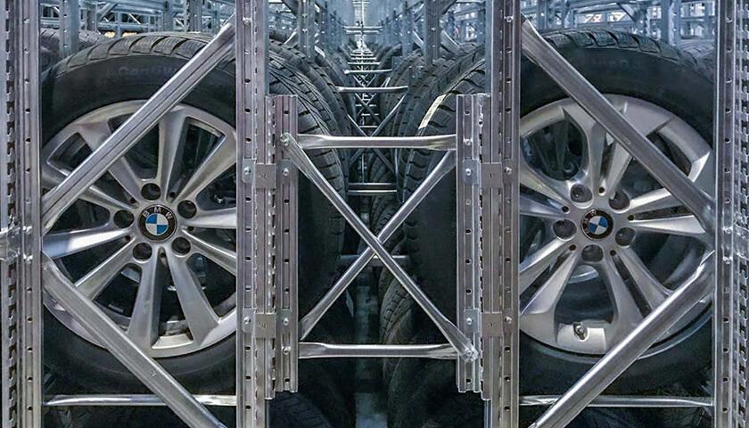 scaffali metallici porta gomme