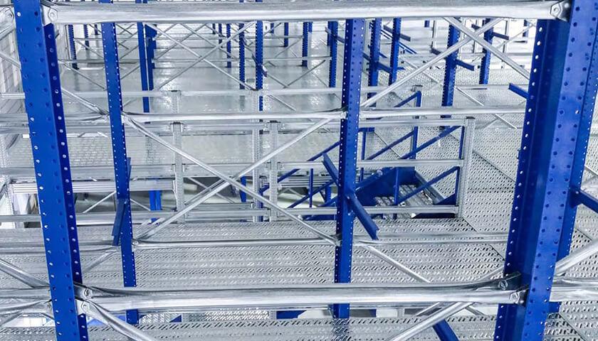 impianto passerella scaffalature metalliche