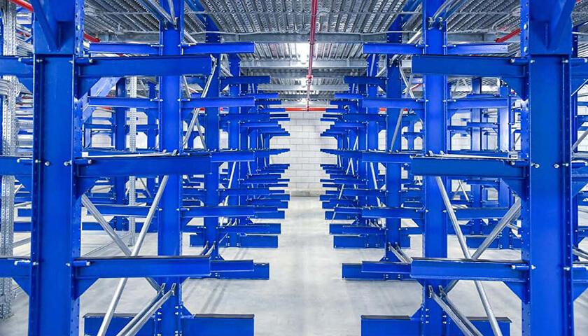 scaffalature cantilever magazzino