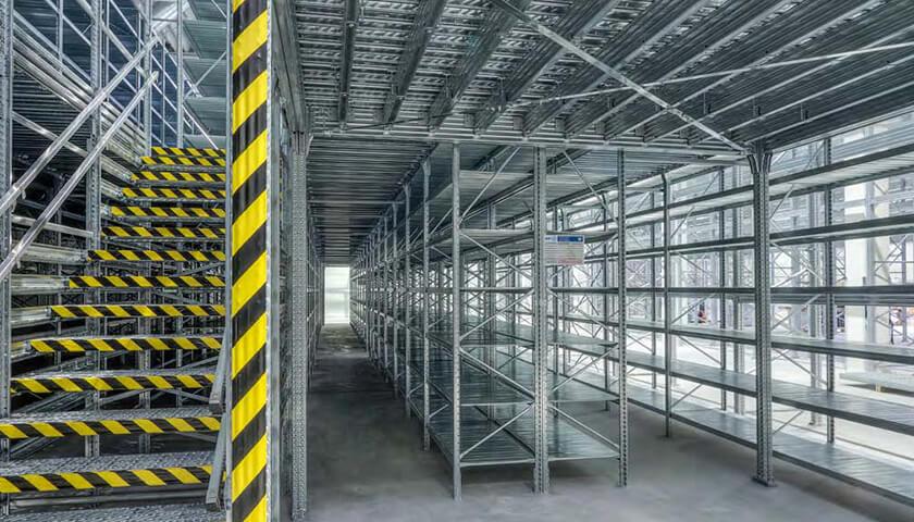 scaffalature metalliche magazzino