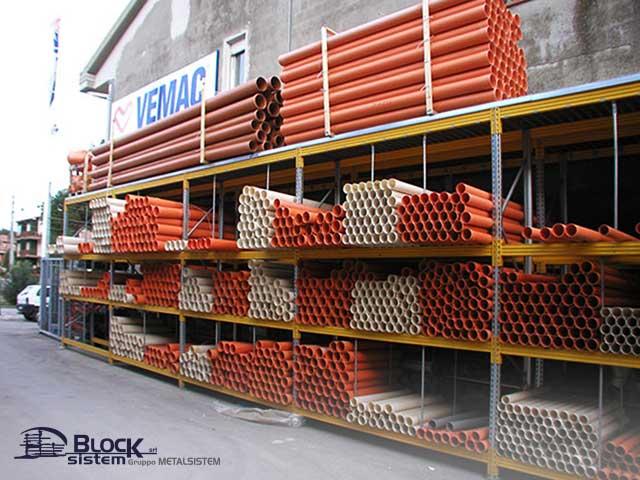 attrezzature lavoro magazzino